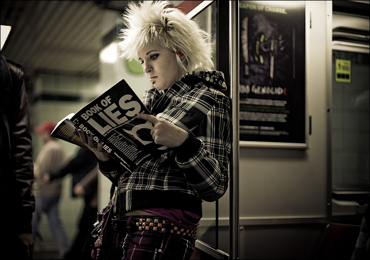 book-of-lies_subway