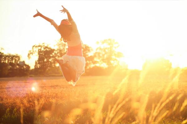 girl-jumping-sun