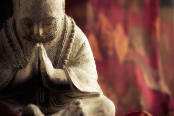 monk-praying-background