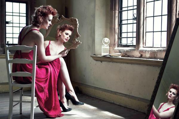 woman-pink-dress-mirror